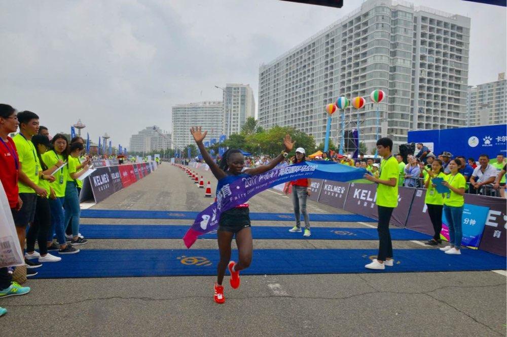 2017仙境海岸海阳国际马拉松女子全程三甲出炉