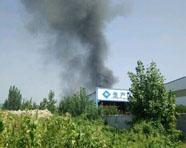 滨州博兴一企业厂区泡沫屋顶着火无人员伤亡