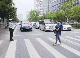 济宁城区新设10处机动车不礼让斑马线抓拍系统