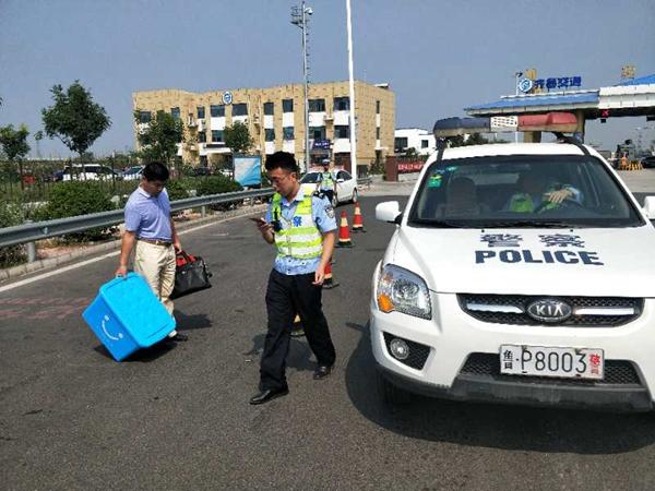 聊城:无证驾驶被处罚,他却对交警感激不尽