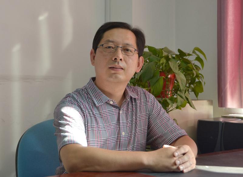冯锋:党员干部要践行沂蒙精神,不忘共产党员的责任担当