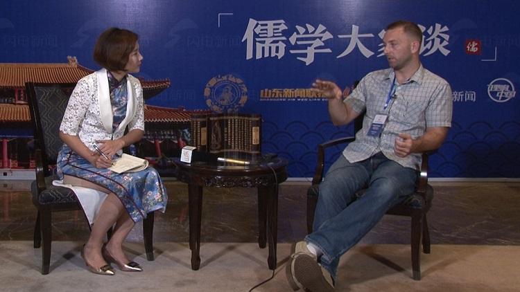 """从追求""""与众不同""""到成为儒学大咖,如今他在中国教汉语"""