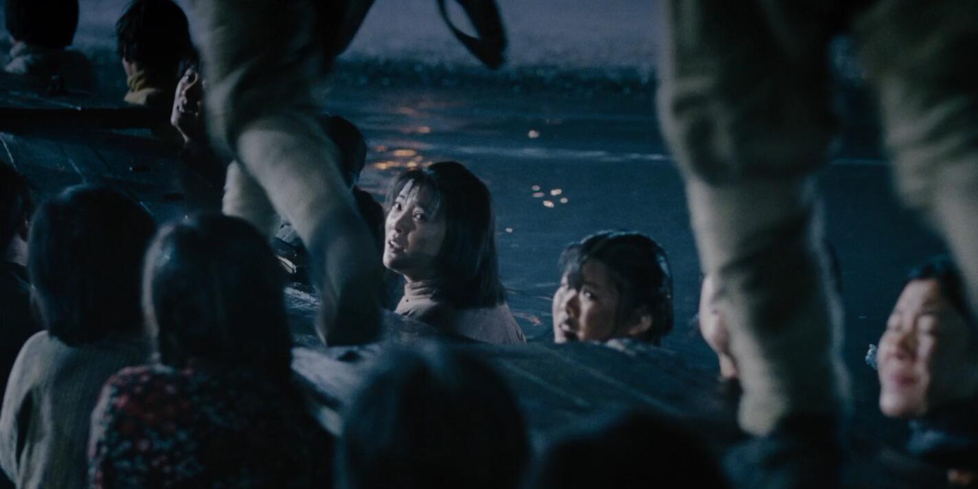 """102秒丨《沂蒙六姐妹》""""人桥""""片段 看完泪奔"""