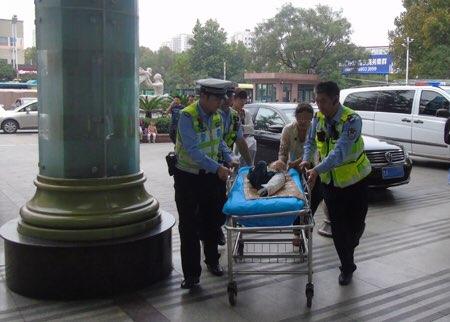 爱心接力!淄博、济南两地交警紧急护送重伤幼童就医