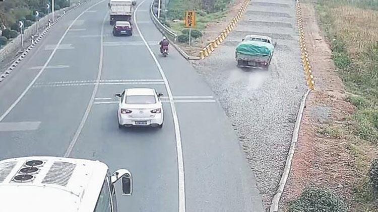 35秒|惊险!刹车失灵,淄博一货车冲入避险车道自救