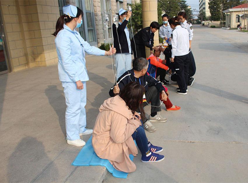 青岛崂山基层社区卫生服务中心开展防控灾害意识与急救演练