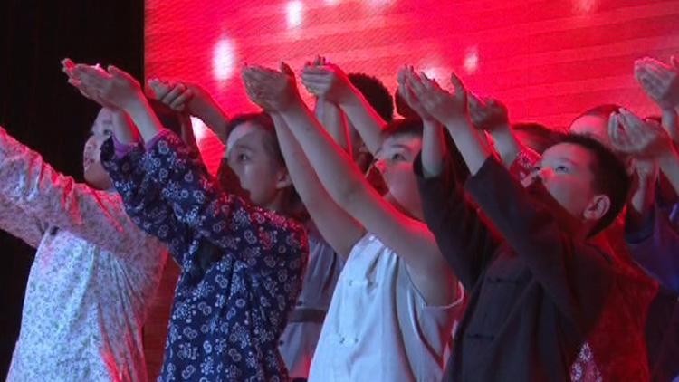 59秒丨淄博首部红色儿童音乐剧首映 孩子们当年这样抗击侵略者