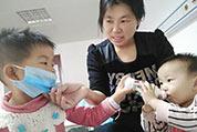 弟弟患罕见病临沂3岁姐姐做骨髓配型:爸爸别哭,我要救弟弟