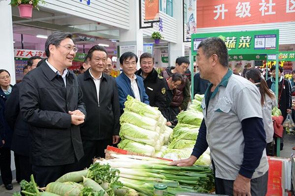 王文涛深入社区联系实际宣讲十九大精神