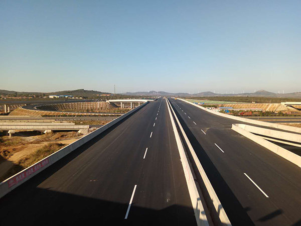 蓬栖高速路面铺设工程全部完工 12月底通车