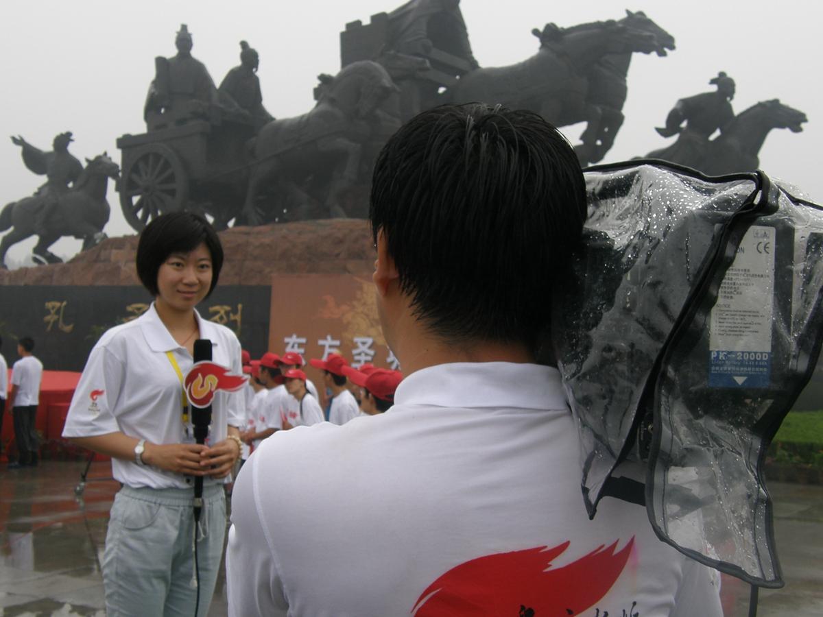 【记者节】记者:记录他人故事 ,书写自己经历