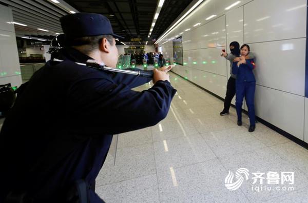 青岛地铁2号线(东段)将于12月中下旬的开通试运营,青岛地铁将进入组网