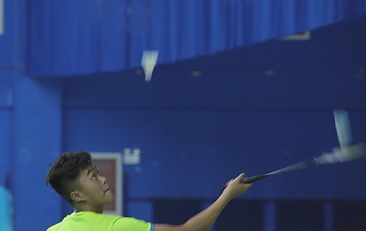 最挑战丨极限舞动羽球4分40秒!中国小伙单拍颠四球创纪录