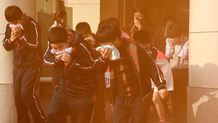 """""""119""""消防宣传日 济南一小学2500名师生参加消防演习"""