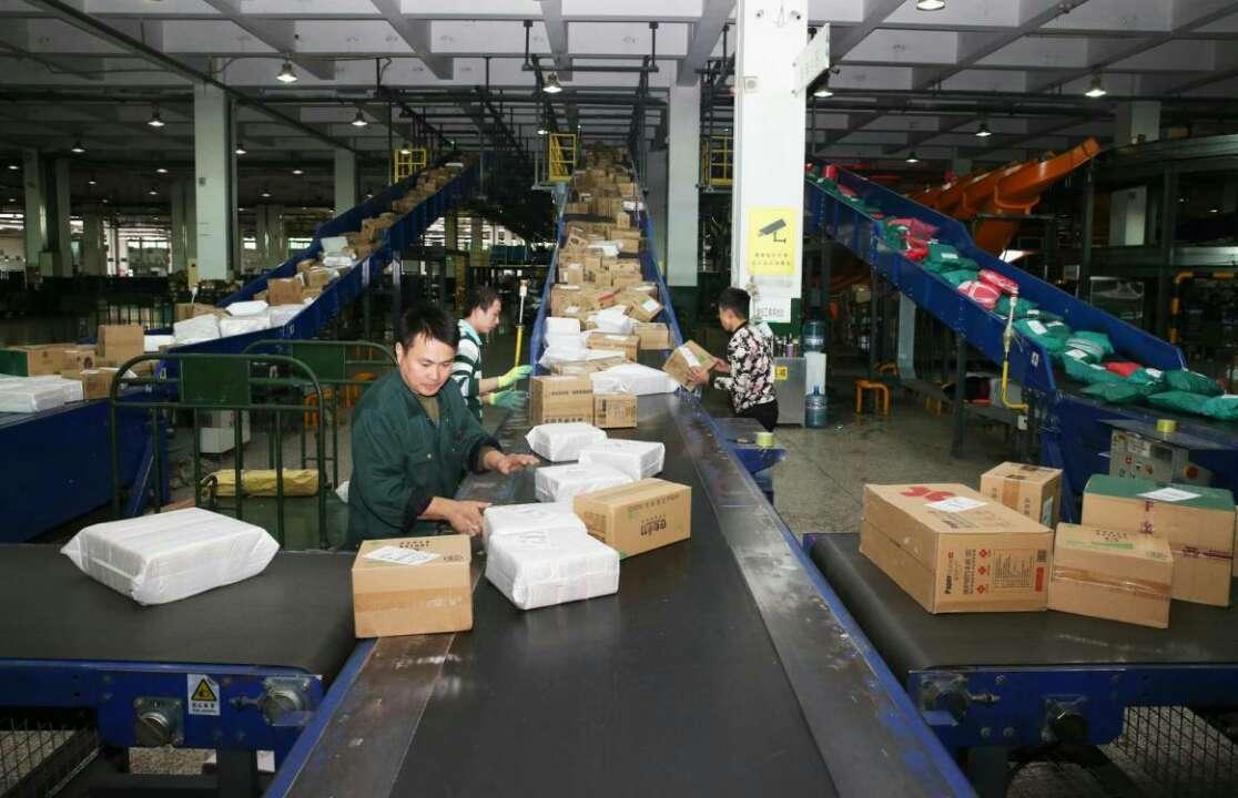 济南邮区中心局日处理邮件88.8万件    平均每5分钟装发一辆邮车