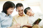 威海开展家庭教育公益课 引导家长换位思考共助学生成长