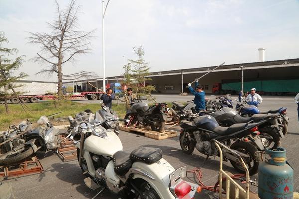 济南销毁一批未经认证大排量进口摩托车 最贵的值20万