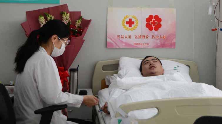见证爱!他推迟要娃计划 为给1岁患儿捐造血干细胞