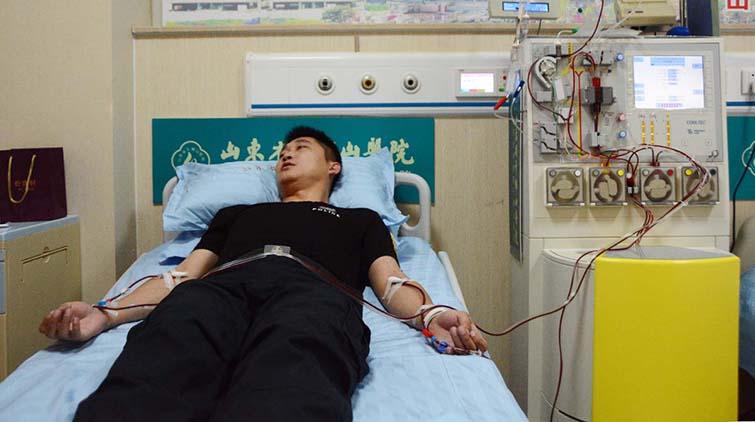 村里唯一的大学生病了,这位淄博帅小伙挺身站了出来