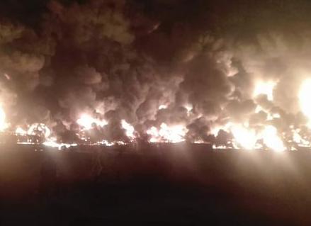 即墨蓝村镇一物流园橡胶仓库发生火灾 无人员伤亡
