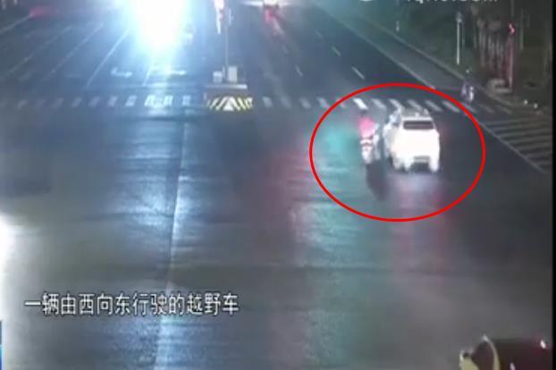 """淄博电动车主遭遇交通事故遇到""""好心人""""?监控真相了"""