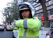 潍坊一1岁幼童休克急需就医 交警开警笛开道护送