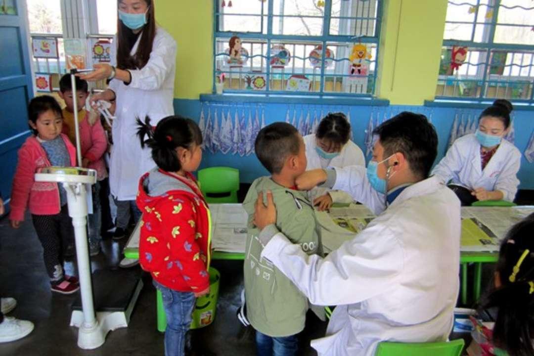 东营五千余名在园儿童接受体检 龋齿视力发病率上升