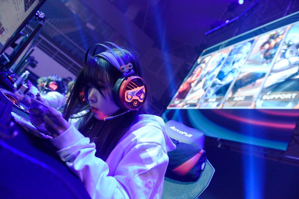 DOTA2,王者荣耀…6国大学生电竞玩家角逐百万奖金