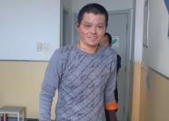 """""""我能站起来了!""""19万善款助潍坊烧伤少年郭洪智顺利出院"""