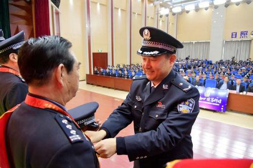 日照市公安机关2017年度荣休暨新警入警宣誓仪式举行