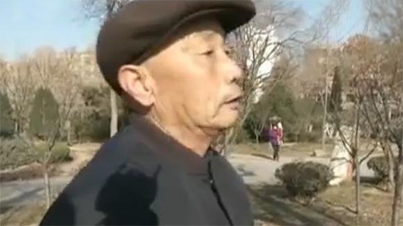 淄博八旬老人救起两岁落水男童:救了小生命,值得!