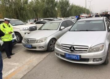 梁山警方整治机动车涉牌违法 使用假牌、套牌最高罚5000