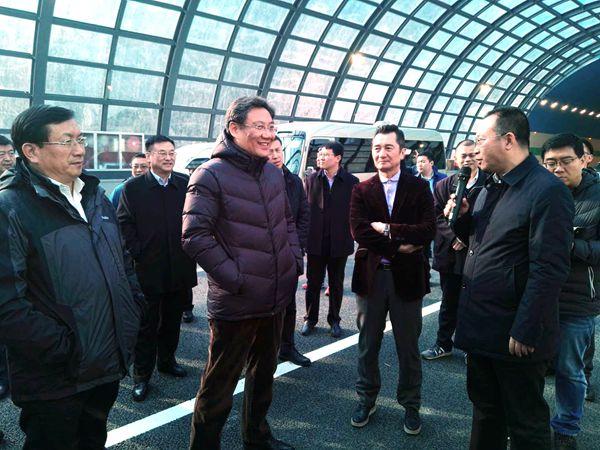济南市领导察看顺河高架南延通车和东南二环延长线通车准备情况