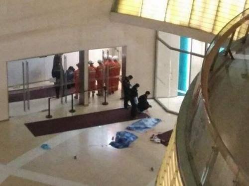天津大悦城两幼童坠亡警示!记者探访济南商超隐患