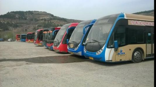 济南35路公交增加区间车 缓解高峰客流压力