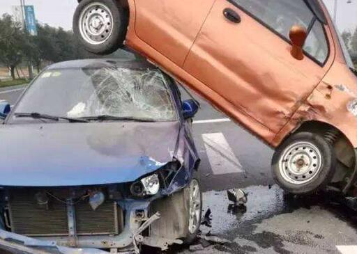 日照黄海一路车祸续:妈妈去世的消息一直瞒着两个女儿