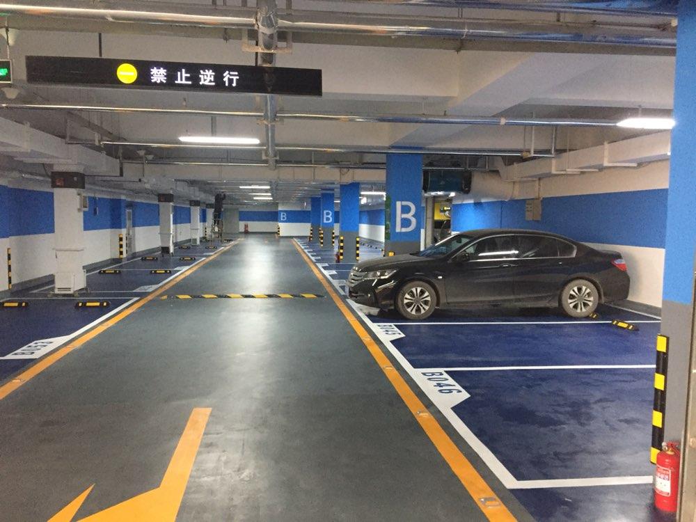 泉城广场智能停车场今天正式投入运营 车辆安全有保障