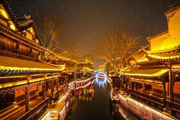 2017年台儿庄古城迎客581.86万 收入3.47亿元