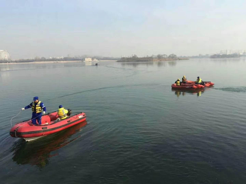 滨州男子冰上垂钓不幸掉入湖中 连续8天打捞下落不明