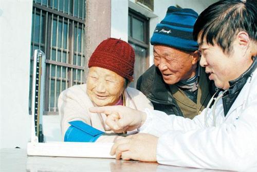 山东严把乡村医生准入关 2025年八成乡医具备专科及以上学历