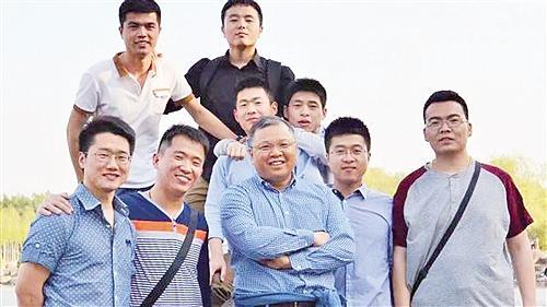 """师者! 山东师范大学唐波团队荣膺""""黄大年式团队""""实至名归"""