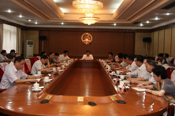 省人大常委会党组召开扩大会议传达学习省纪委十一届三次全会精神等