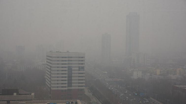 """山东继续发布大雾黄色预警信号 济南又是""""白茫茫"""""""