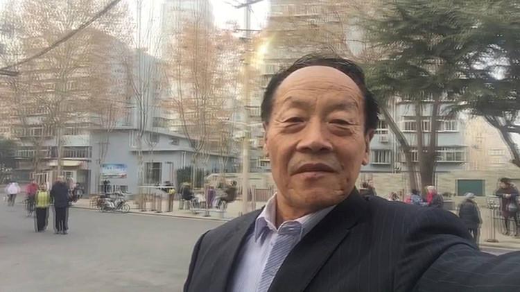 我拍新山东丨济南67岁老师儿说2017年印象最深的是这两件事儿…