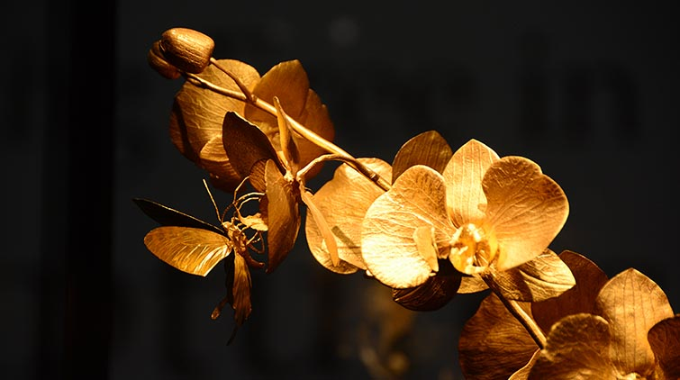 10公斤纯金雕刻高达3.8米木雕…… 山东博物馆带您一饱眼福