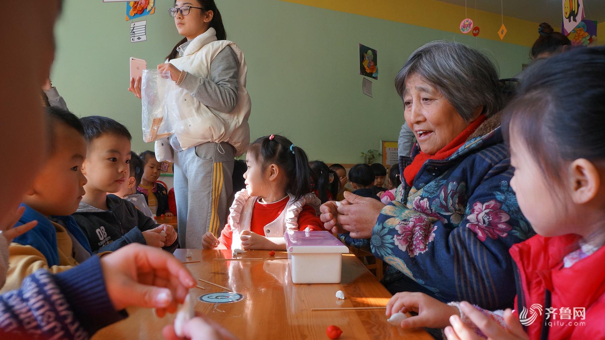 济南七旬老人传承面塑文化40年 培养徒弟上千人