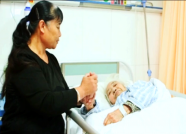 """潍坊81岁老人不仅当上了""""女一号"""" 作品还得了一等奖"""