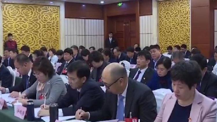 山东省十二届人大常委会领导审议政府工作报告