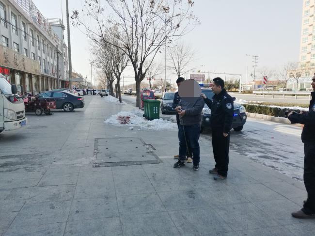 二进宫不思悔改砸车玻璃盗窃14起 再伸手被安丘警方擒获