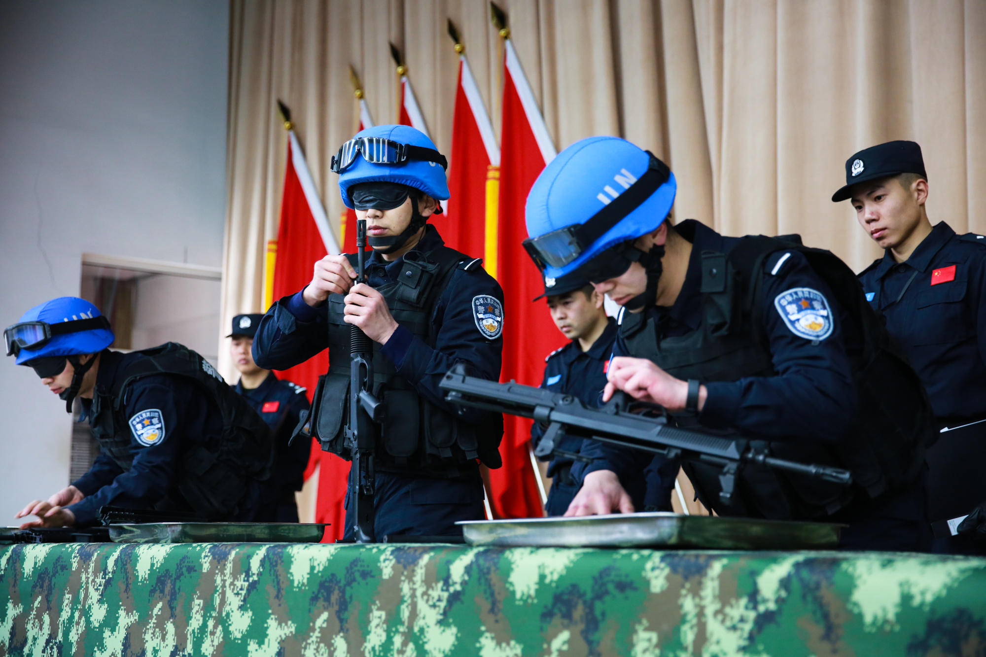 大片!公安部常备维和警队寒冬练兵